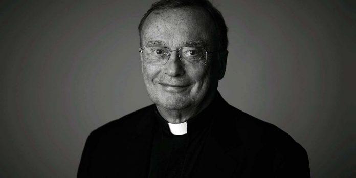 Very Rev Paul Magnano 1